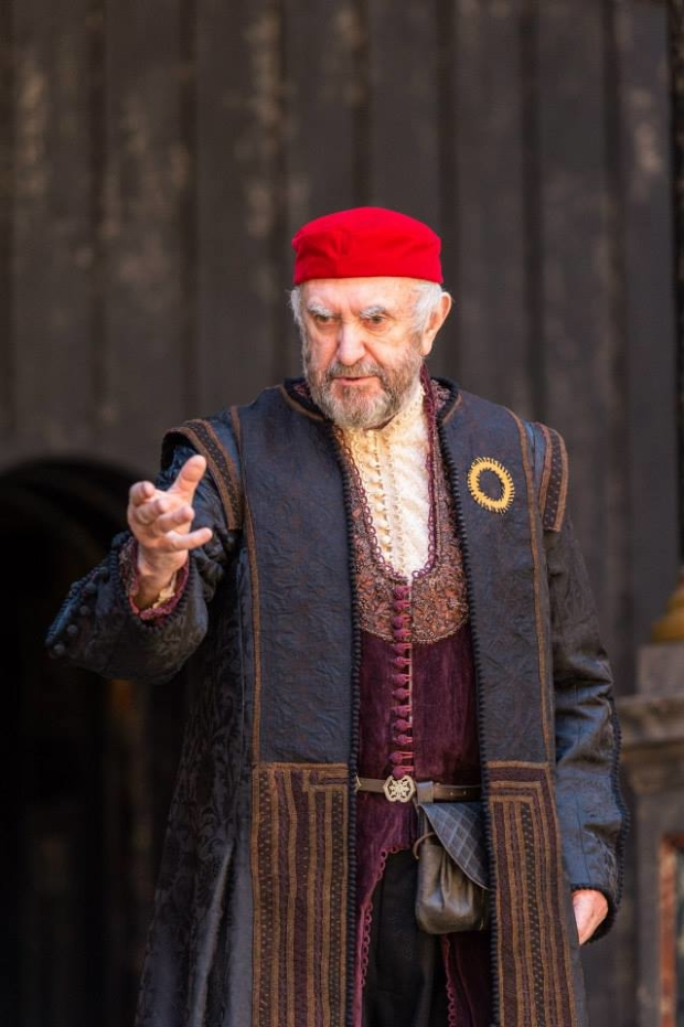 Jonathan Pryce will bring his acclaimed Shylock to New York in Shakespeare's Globe production of The Merchant of Venice.