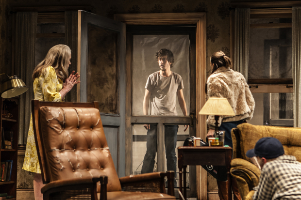 Halie (Amy Madigan), Vince (Nat Wolff), Shelly (Taissa Farmiga), and Dodge (Ed Harris) engage in a tense standoff in Buried Child.