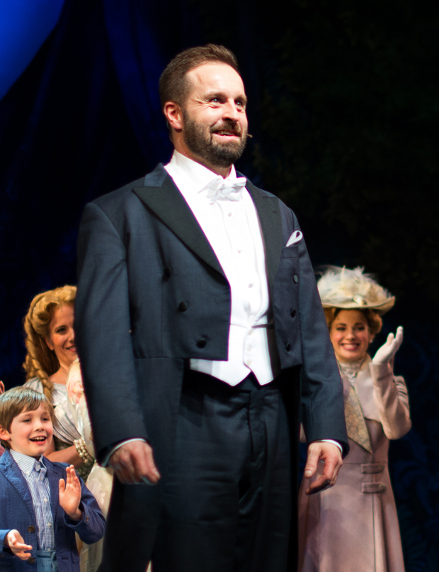 Alfie Boe takes his first bow as J.M. Barrie in Broadway's Finding Neverland.