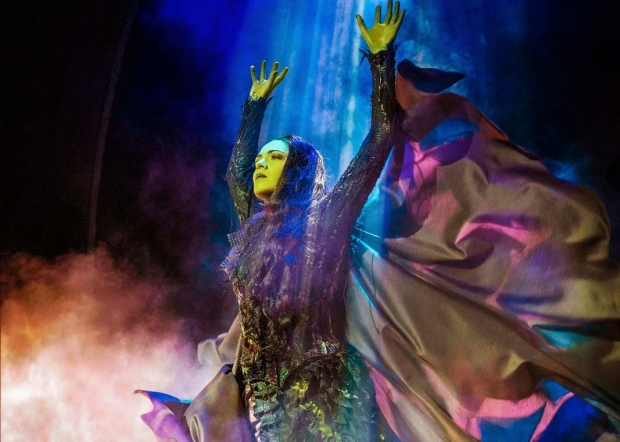 Jennifer DiNoia as Elphaba in the London production of Wicked.