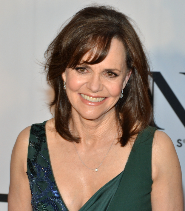Sally Field will star in The Glass Menagerie on Broadway.