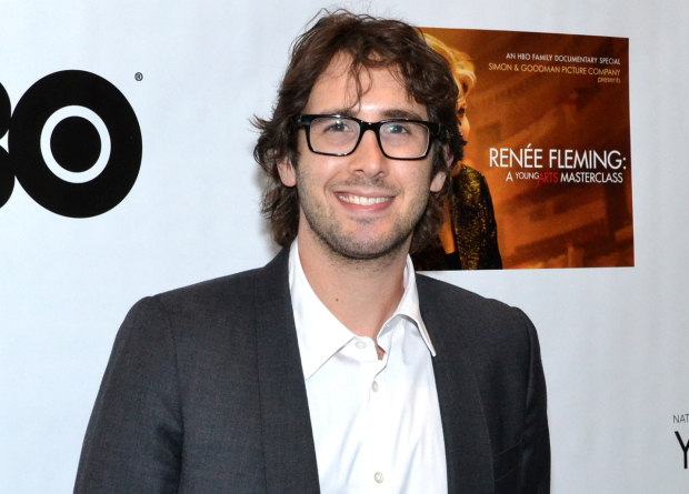 Josh Groban has been announced as a presenter for the 2016 Tony Awards.