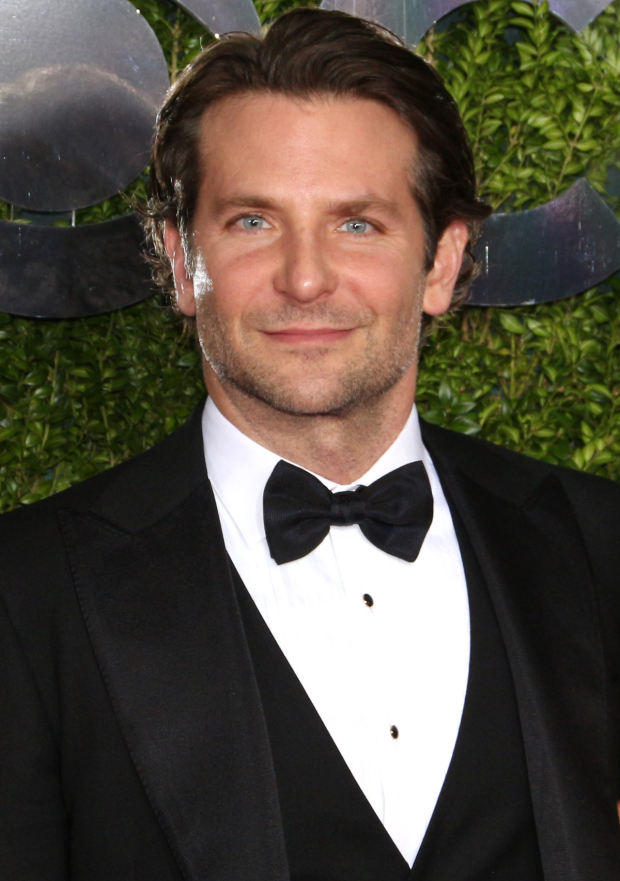Bradley Cooper will direct a new film remake of A Star is Born.
