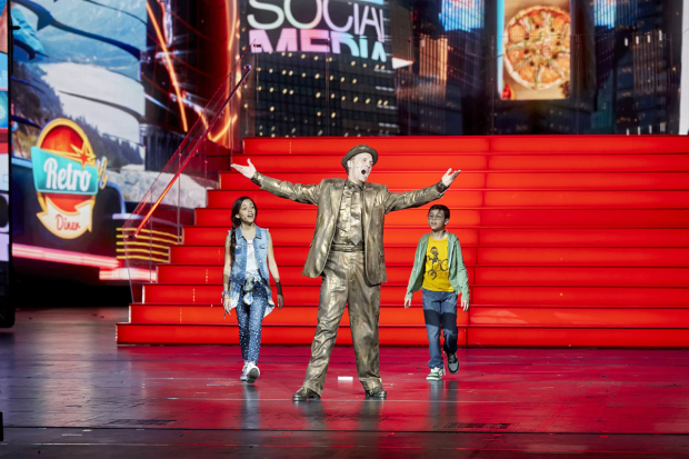 Danny Gardner (center) plays George M. Cohan in New York Spectacular at Radio City Music Hall.