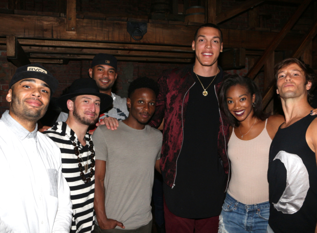 Aaron Gordon towers over the Hamilton cast.