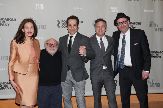 Director Terry Kinney (right) with his cast: Jessica Hecht, Danny DeVito, Tony Shalhoub, and Mark Ruffalo.