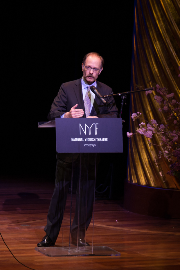 David Hyde Pierce presented an award to producer Daryl Roth.