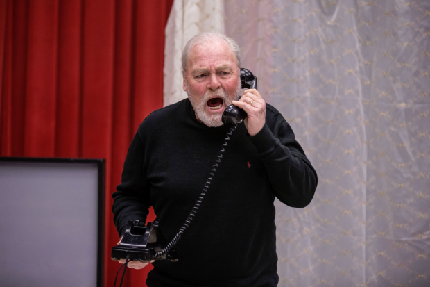 Stacy Keach in rehearsal for Jim McGrath's Pamplona, directed by Robert Falls.