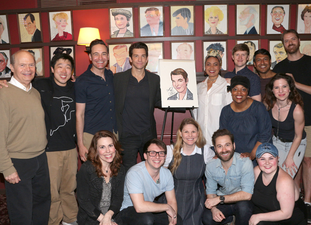 The cast of Groundhog Day congratulates Andy Karl.