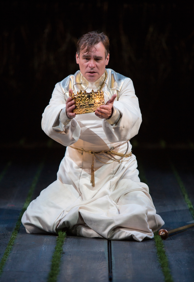 Robert Sean Leonard stars in Richard II, directed by Erica Schmidt, at the Old Globe Theatre.