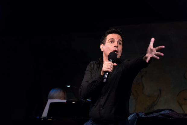 Mario Cantone imitates Liza Minnelli in his Café Carlyle debut.
