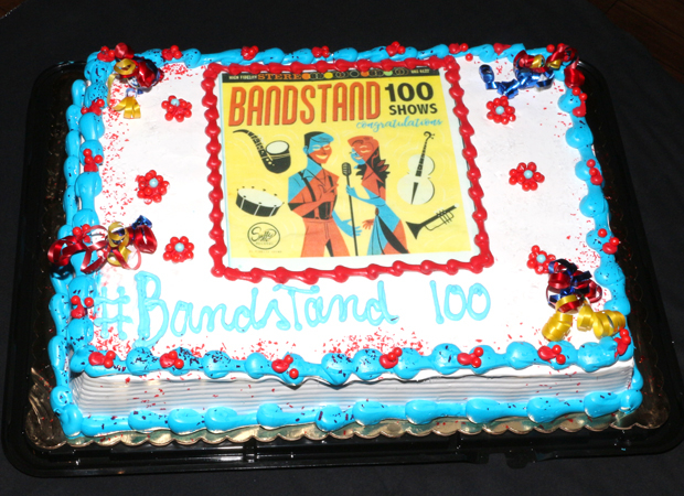 The Bandstand 100th performance cake, with artwork created by fan Elise Walters.