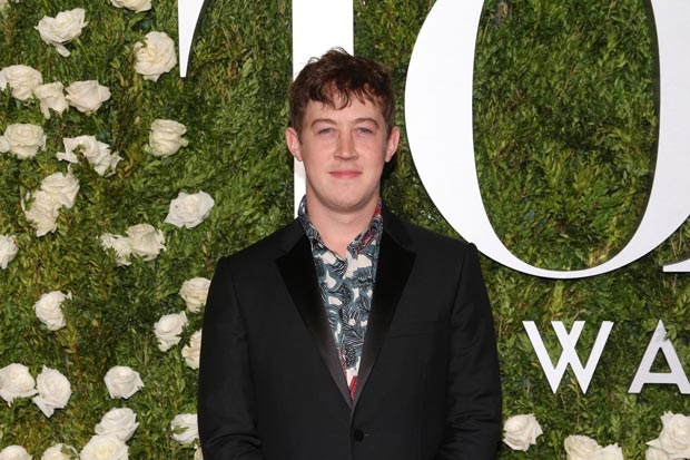 Alex Sharp to Star in 'Nasty Women' Alongside Anne Hathaway & Rebel Wilson