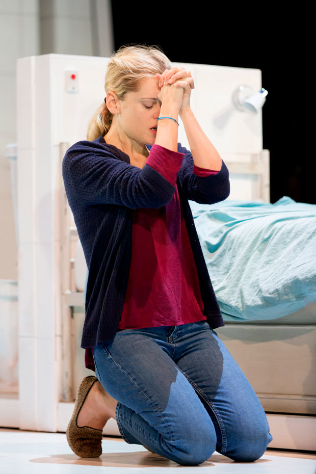 Denise Gough will reprise her Olivier Award-winning performance in Duncan Macmillan's People, Places & Things in its U.S. premiere at St. Ann's Warehouse.