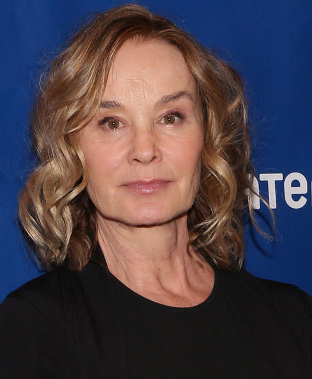 Jessica Lange will be honored by Roundabout Theatre Company at its 2018 gala in February.