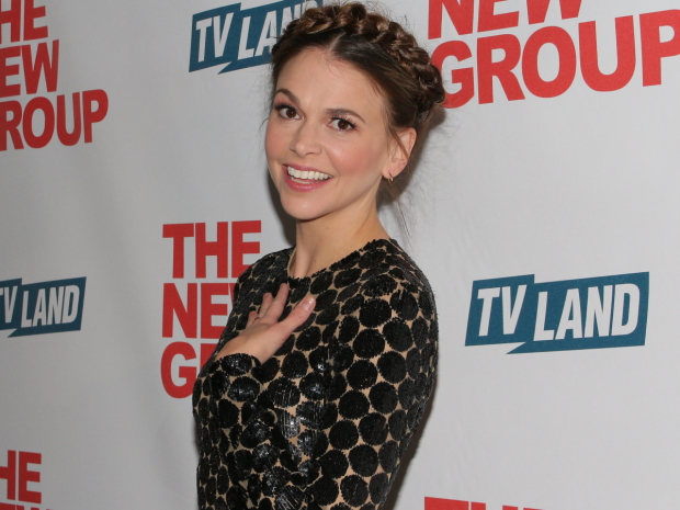 Sutton Foster will join Hugh Bonneville for the Mormon Tabernacle Choir's annual Christmas concerts.