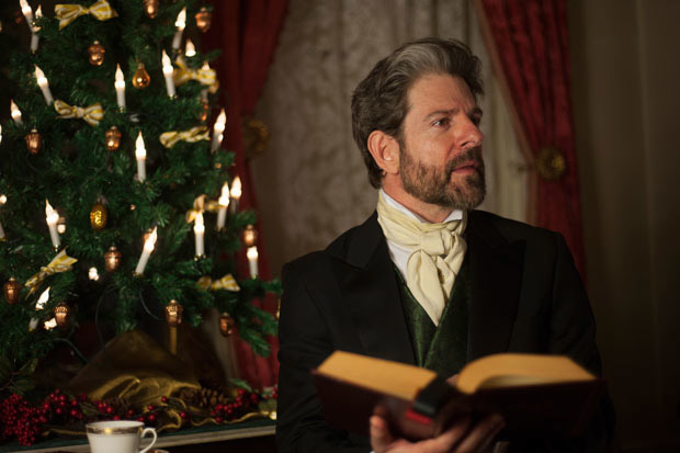 John Kevin Jones stars in Summoners Ensemble Theatre's one-man production of A Christmas Carol at the Merchant's House Museum.