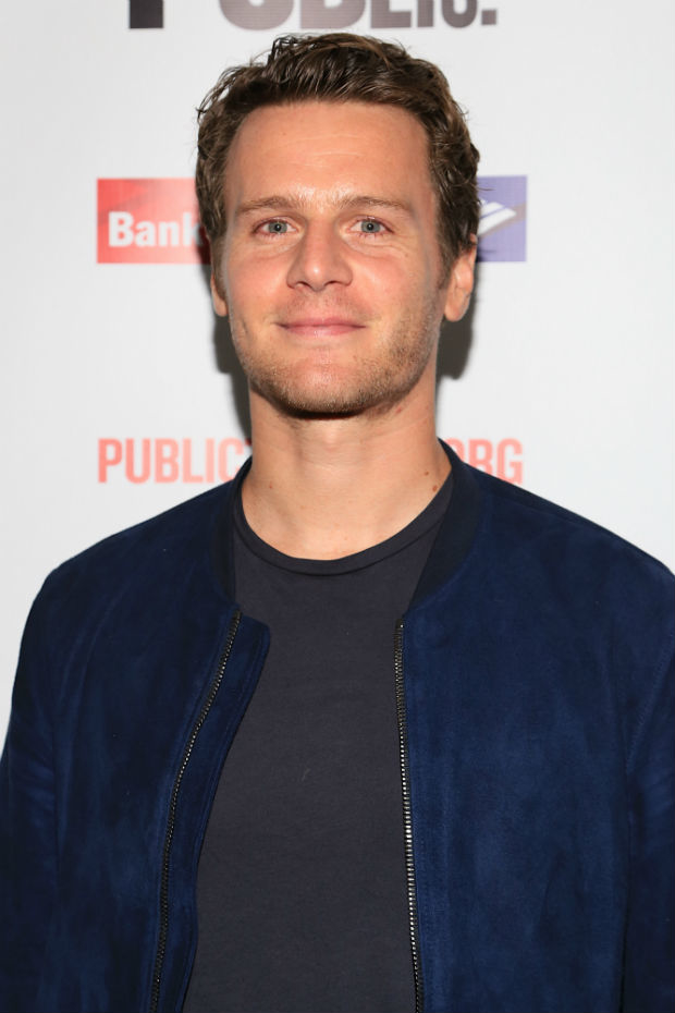 jonathan groff - photo #11