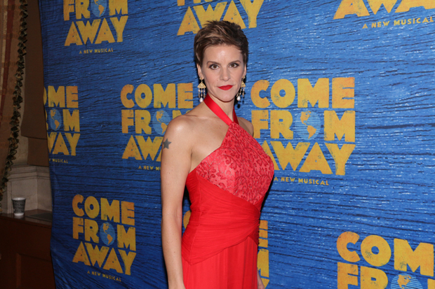 Jenn Colella will be one of the cast members participating in the Come From Away panel at BroadwayCon 2018.