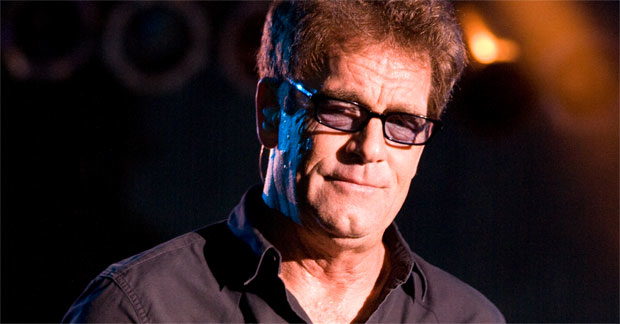 Huey Lewis announced plans for a stage musical, featuring the songs of Huey Lewis and The News.