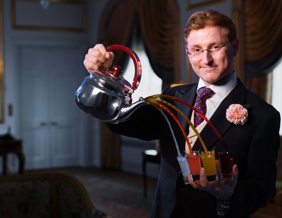Steve Cohen with his magical teapot at the Waldorf Towers.