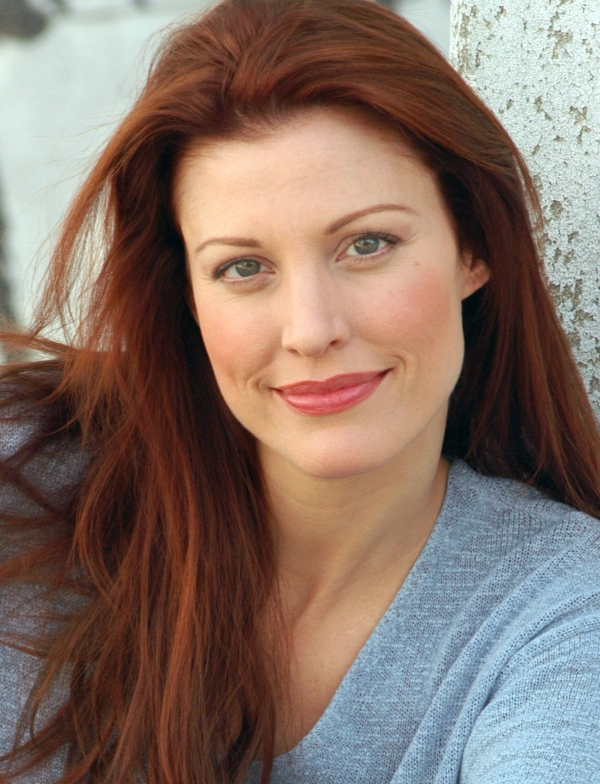 Rachel York will star as Belle Poitrine in the New York City Center Encores! production of Little Me this February.
