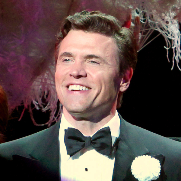 Brent Barrett will return to the role of Billy Flynn in Walter Bobbie's revival of Chicago at the Ambassador Theatre on January 20.