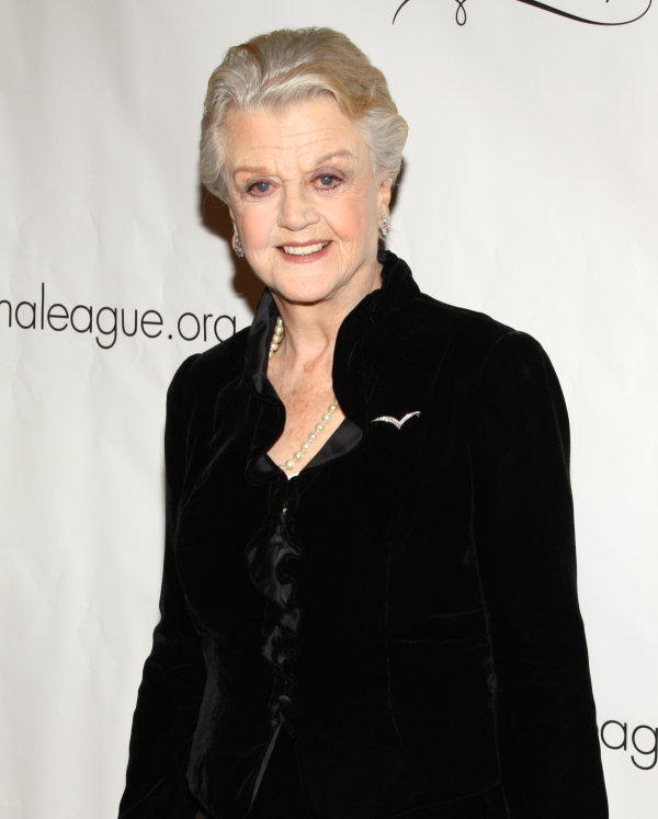 Angela Lansbury will reprise her role as Madame Arcati in Michael Blakemore's Blithe Spirit on the West End.