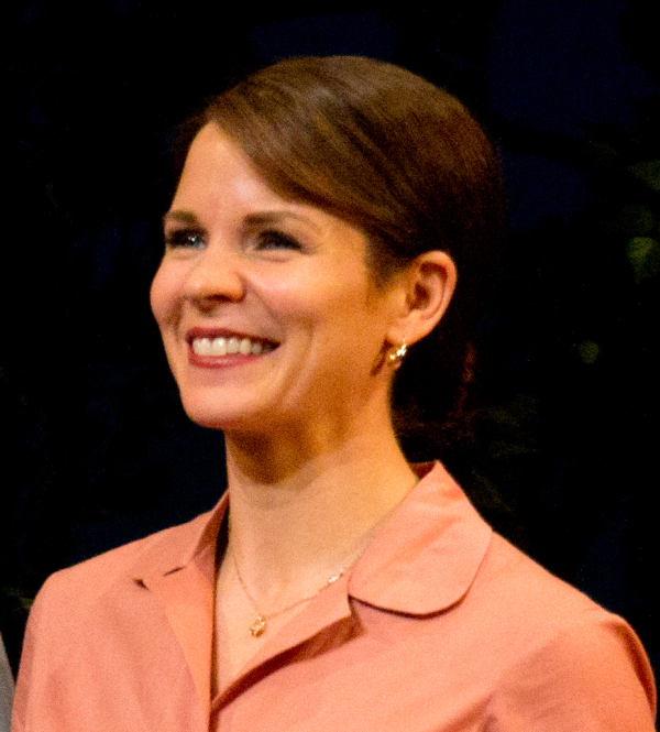 The Bridges of Madison County star Kelli O'Hara will cook with Chef Lidia Bastianich on April 14 at Eataly.