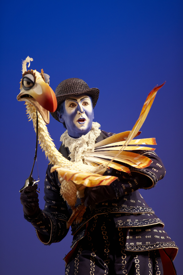 Esteban Oliver, who played Zazu in the Madrid production of The Lion King, will make his Broadway debut in the role beginning April 1 at the Minskoff Theatre.
