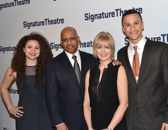 Honoree Ruben Santiago-Hudson (second from left) is joined by his proud family.