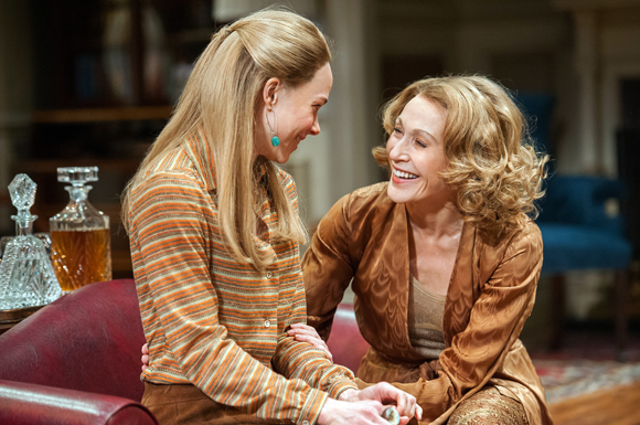 Kristen Bush and Jan Maxwell star in Anthony Giardina's The City of Conversation, directed by Doug Hughes, at Lincoln Center Theater.