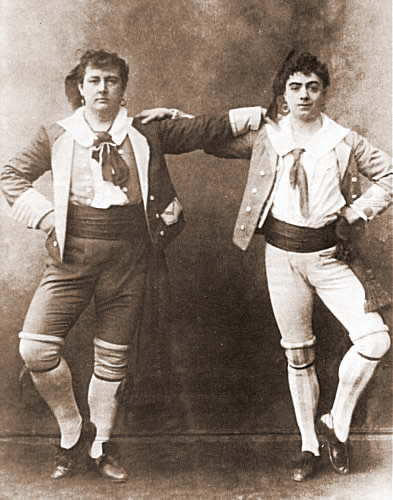 Courtice Pounds and Rutland Barrington as Giuseppe and Marco in Gilbert and Sullivan's The Gondoliers at the Savoy Theatre in 1889.
