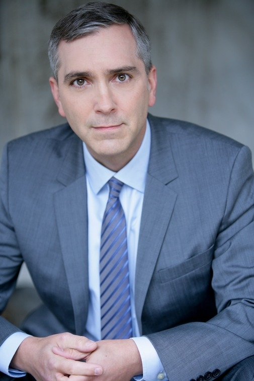 Scott Lowell has been cast in the upcoming Broadway production of The Elephant Man.