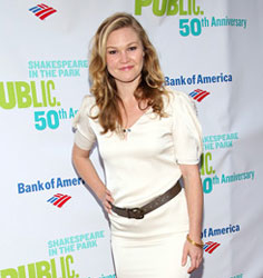 Julia Stiles will return to the New York stage in Scott Organ's Phoenix at the Cherry Lane Theatre.