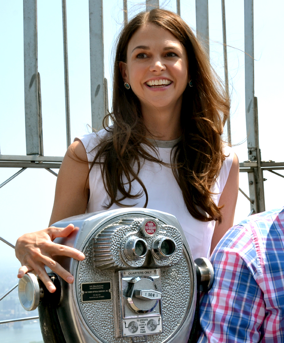 Violet star Sutton Foster checks out the view at the top of the Empire State Building.