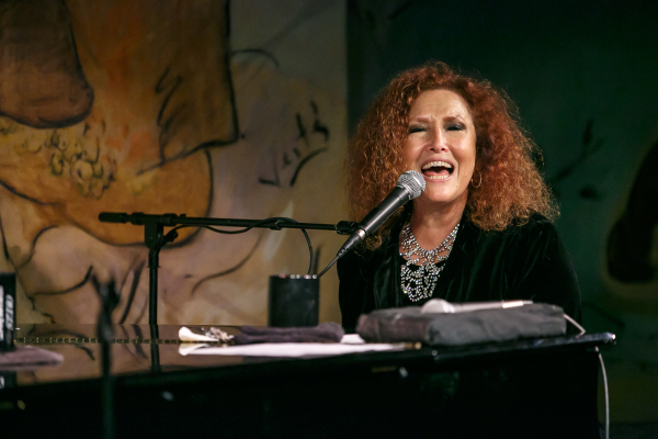 Melissa Manchester makes her Café Carlyle debut in You Gotta Love the Life.