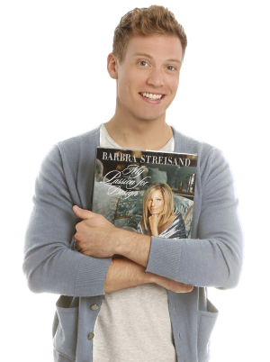 Barrett Foa began performances in Buyer & Cellar at the Barrow Street Theatre on May 27.