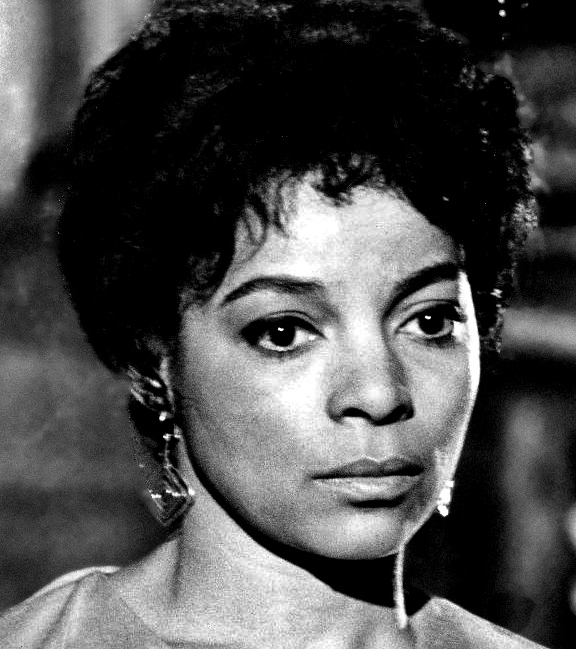 Ruby Dee will be honored with a traditional dimming of Broadway's marquee lights on June 13.