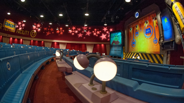 Monsters, Inc. Laugh Floor takes the form of a futuristic comedy club, in which the characters on screen interact with the audience.
