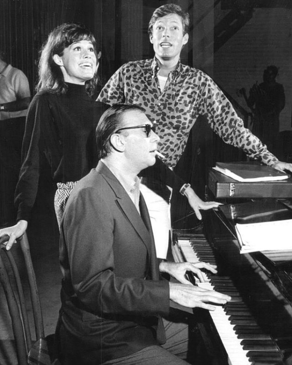 Mary Tyler Moore and Richard Chamberlain rehearse Breakfast at Tiffany's with the musical's composer Bob Merrill.