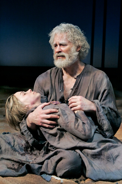Kevin Kline as Lear with Kristen Bush as Cordelia in the 2007 Public Theater revival of King Lear, directed by James Lapine.