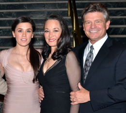 Victoria Mallory (center), with her husband, Mark Lambert (right), and their daughter, Ramona Mallory (left), in 2012.