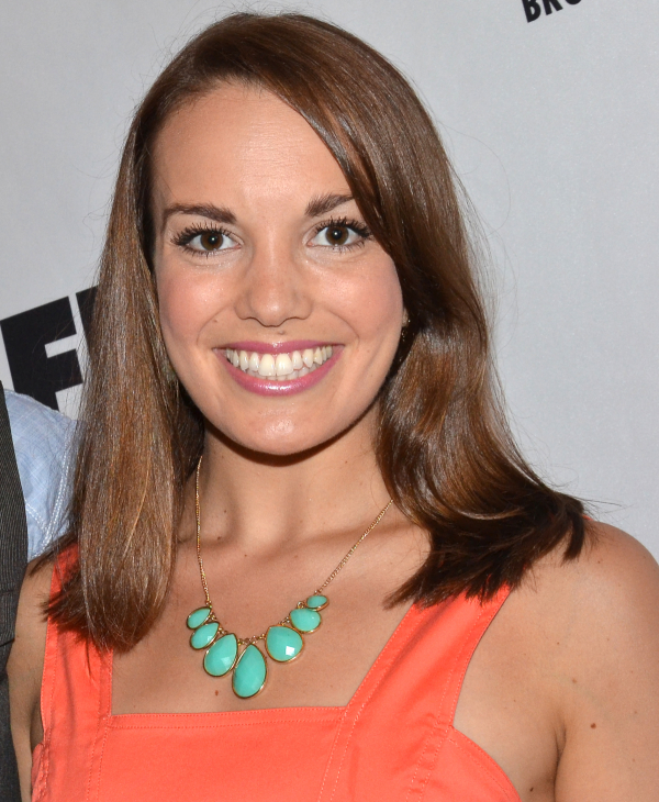 Newsies alum Kara Lindsay will take on the role of Glinda in the Broadway cast of Wicked.