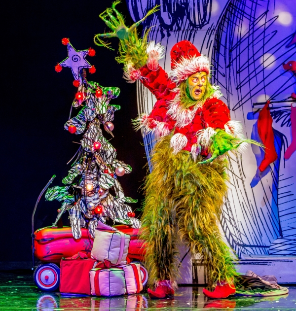 Shuler Hensley Embraces His Grinchy Side