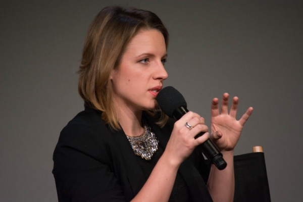 Jessie Mueller discusses Beautiful at the Apple Store.