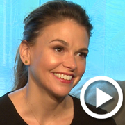 Sutton Foster and the Stars of <em>Younger</em> Divulge the Best Lies on Their Résumés