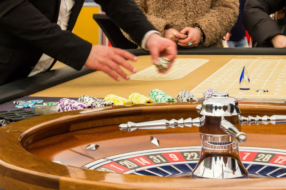 how to bet on roulette