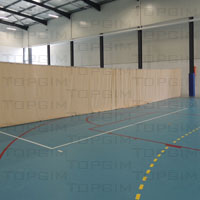 Cortina divisória em lona de 280g/m2 para pavilhão desportivo