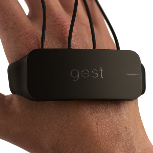 Gest-black-close
